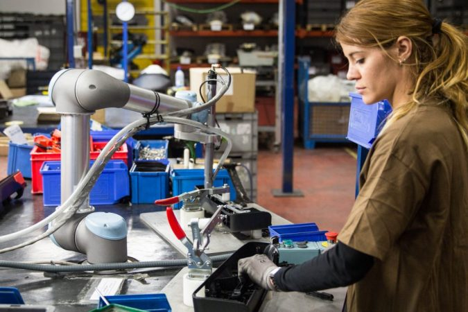 Cobots-675x450 Cobots Have Changed the Way Humans Work