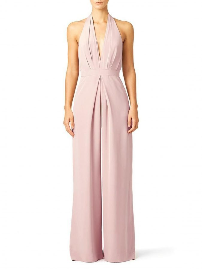 Halter-Neck-Dress-2-675x900 3 Most Stylish Spring Wedding Guest Outfits