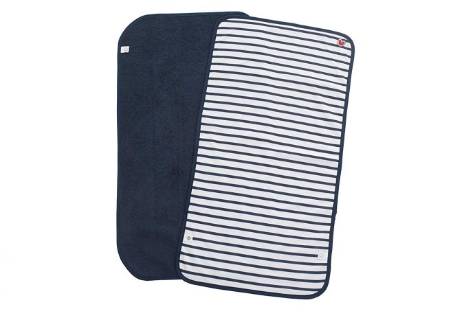 Portable-changing-table-pad-baby-gift-675x450 7 Trendy Gifts for The New Mom