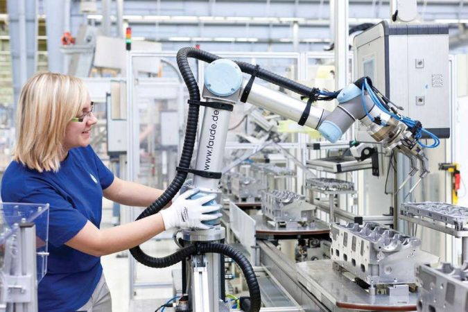 Universal-Robots-Cobot-675x450 Cobots Have Changed the Way Humans Work