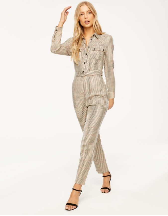 checked-jumpsuit-675x869 10 Stunning Women Outfit Ideas