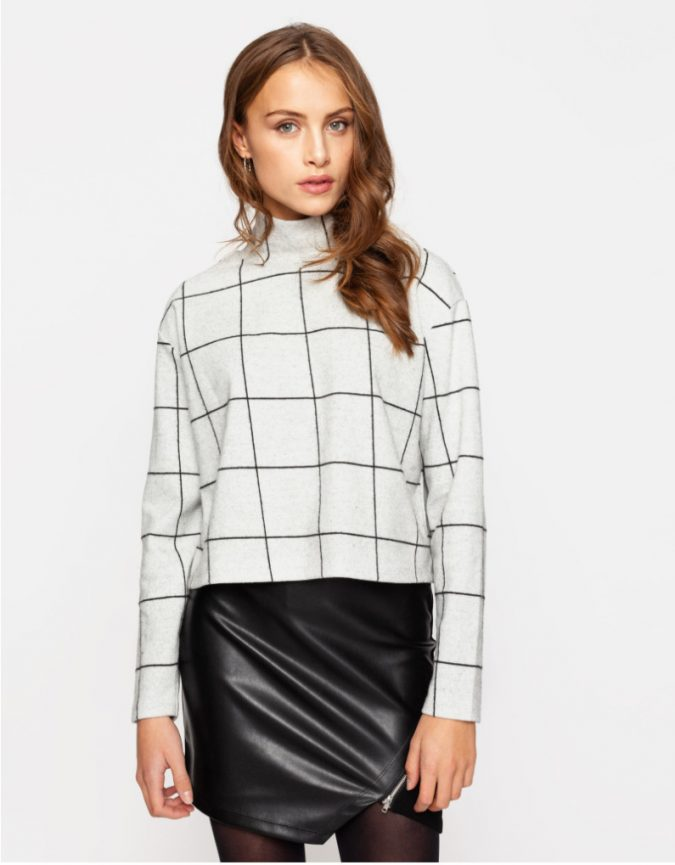 checked-top-and-leather-skirt-e1553524636814-675x865 10 Stunning Women Outfit Ideas for 2019