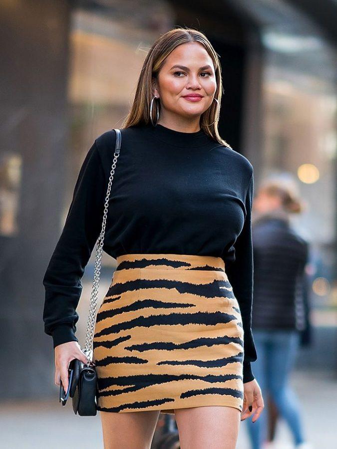 chrissy-Teigen-675x900 20 Most Stylish Female Celebrities Fashion Trends 2020