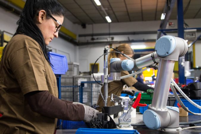 cobots-assembly-lines-675x450 Cobots Have Changed the Way Humans Work