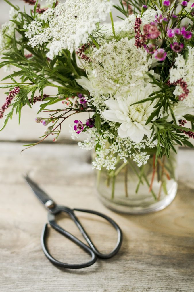cut-flowers-in-vase-675x1013 How to Make Cut Flowers Last Longer?