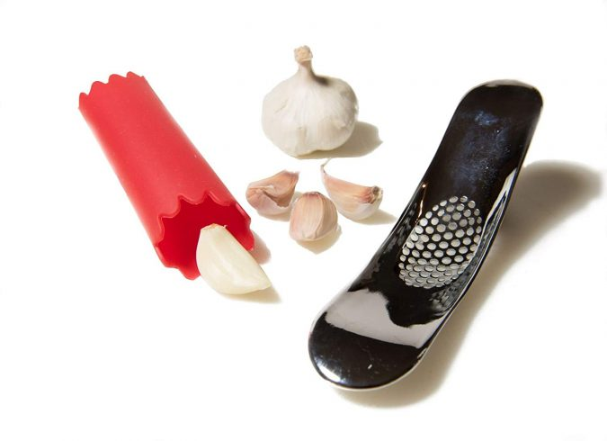 garlic-chopper-kitchen-tools-675x490 24 Innovative Kitchen Tools You Should Get Today