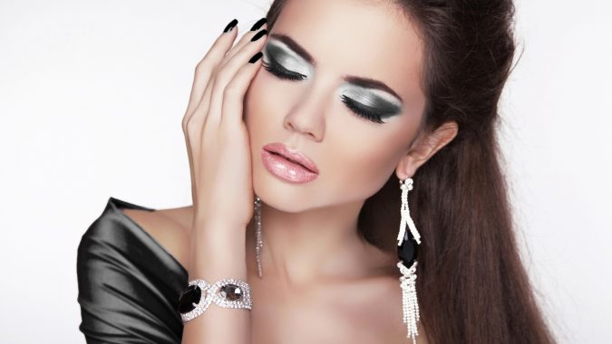 jewelry-675x380 10 Reasons Why You Should Own Fashion Jewelry