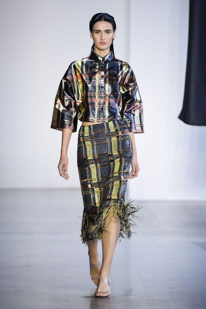 metallic-plaids.-675x1014 20 Most Stylish Female Celebrities Fashion Trends 2020