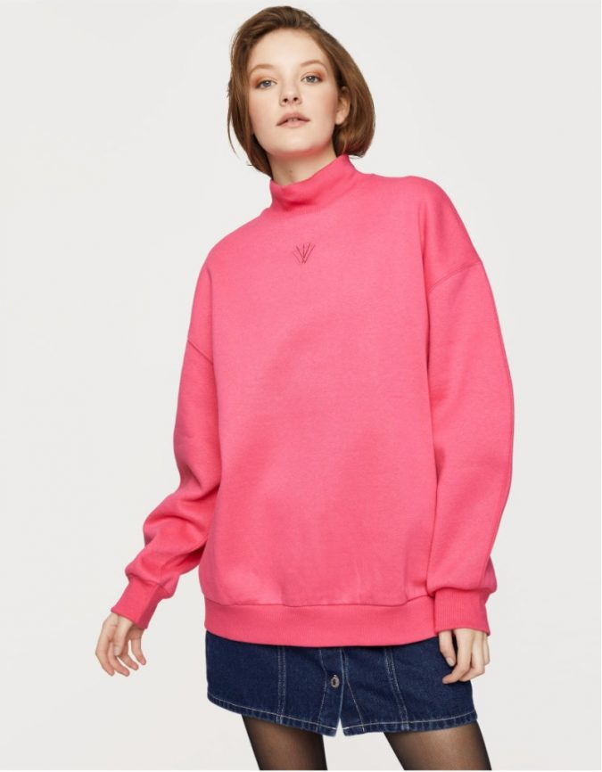 oversized-sweatshirt-3-675x866 10 Stunning Women Outfit Ideas for 2019