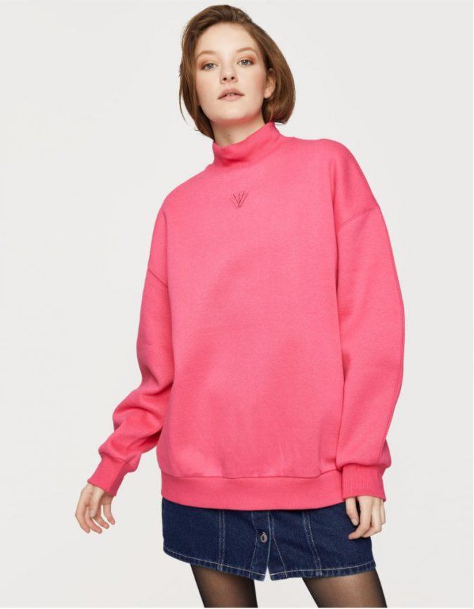 oversized-sweatshirt-3-675x866 10 Stunning Women Outfit Ideas