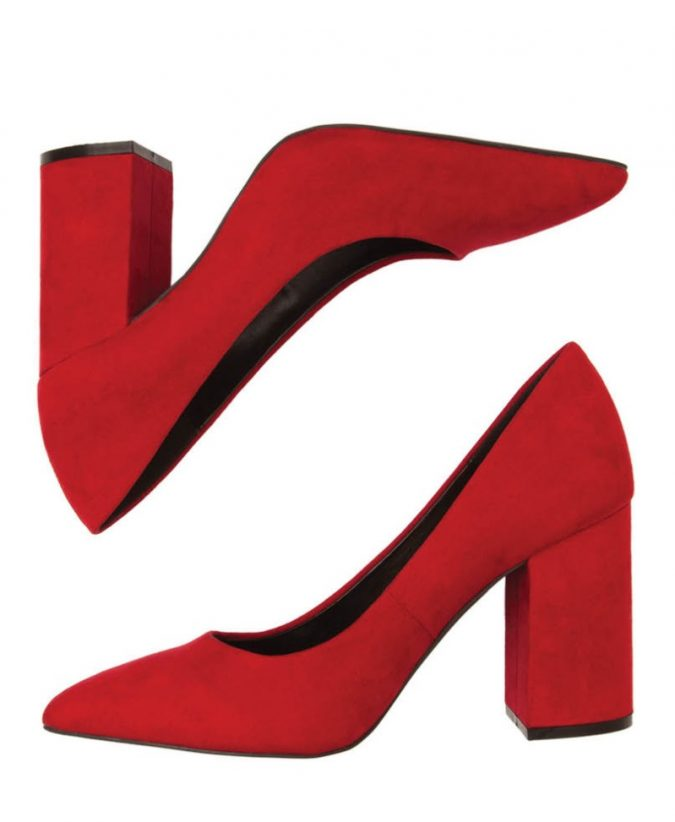 red-shoes-675x822 10 Stunning Women Outfit Ideas