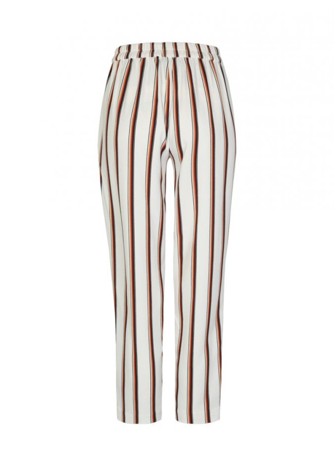 striped-pants-2-675x910 10 Stunning Women Outfit Ideas