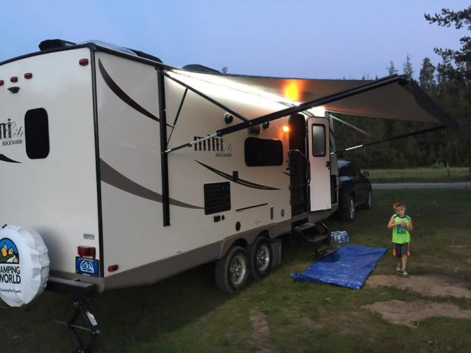 travel-RV-Camping-675x507 6 Types of Outdoor Travel Adventures to Experience