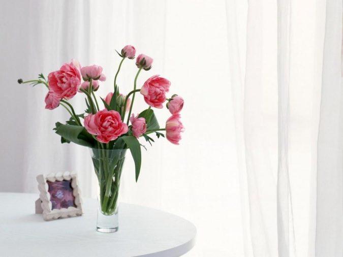 tulips-flowers-bouquet-vase-675x506 How to Make Cut Flowers Last Longer?
