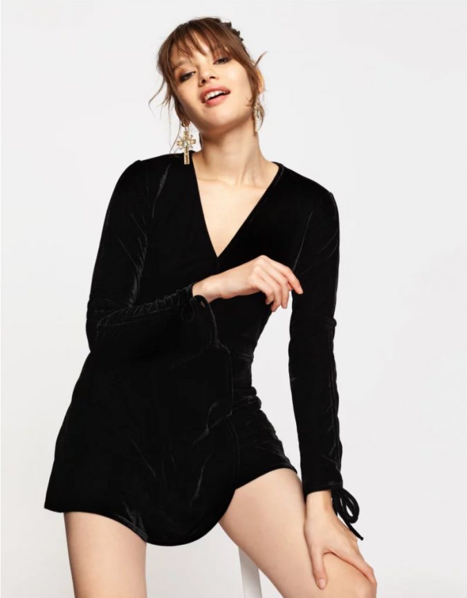 velvet-short-dress-675x864 10 Stunning Women Outfit Ideas