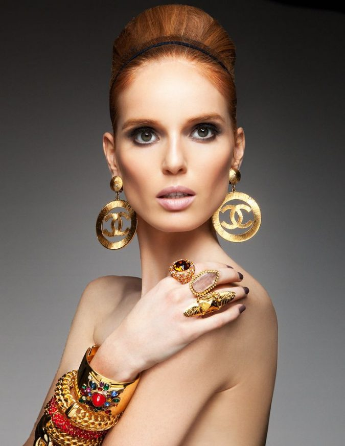 wearing-fashion-Jewelry-675x873 10 Reasons Why You Should Own Fashion Jewelry