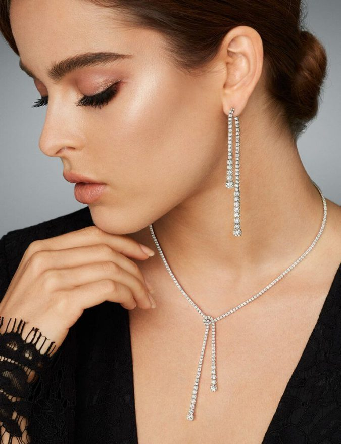 wearing-jewelry.-e1551710831693-675x878 10 Reasons Why You Should Own Fashion Jewelry