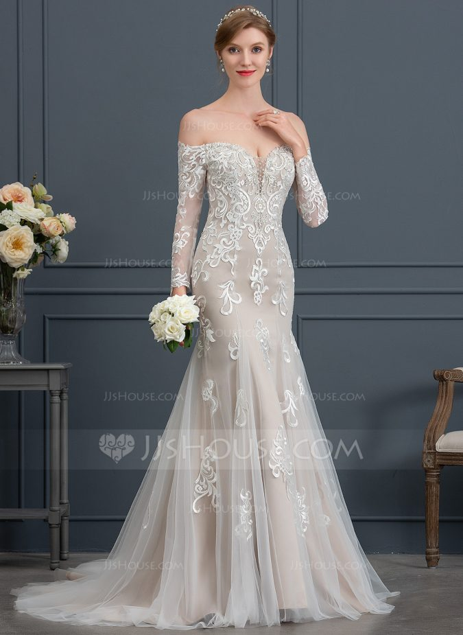 wedding-mermaid-dress-675x925 How Does Plus Size Wedding Dresses Increase the Shimmer of Your Personality?