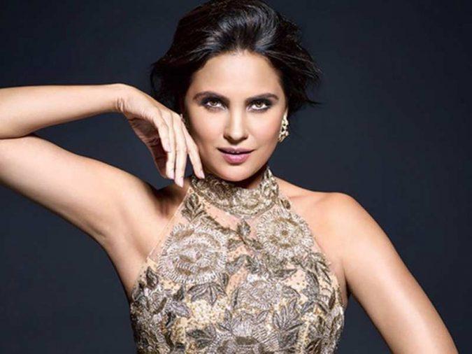 Dutta-Lara-675x506 10 Most Favorite Perfumes of Celebrity Women