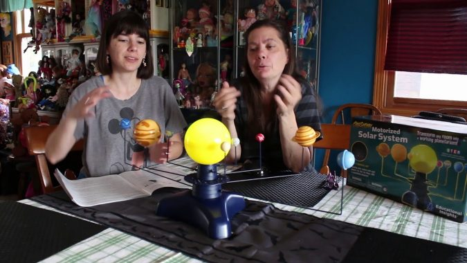 Educational-Insights-Geosafari-Motorized-Solar-System-Science-Kit-675x380 Best 7 Solar System Project Ideas