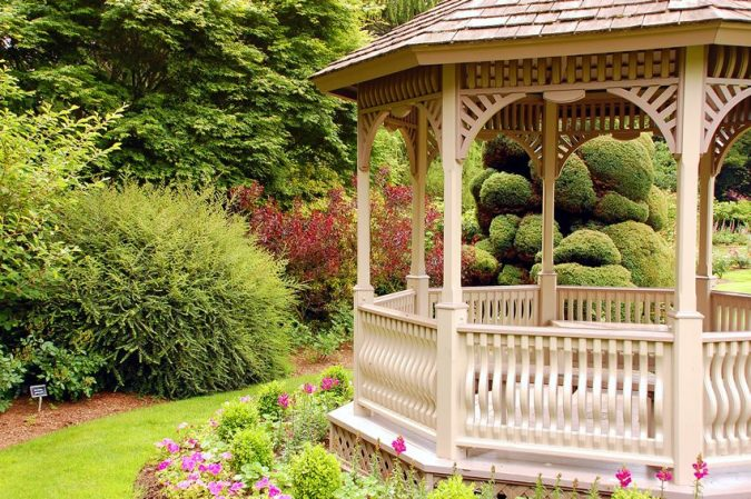 Establish-focal-points-in-your-garden-675x449 Yard Care Tips You Don't Want to Miss