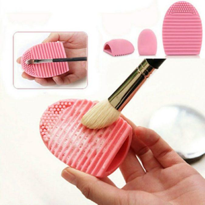 Makeup-Brush-Cleaner-675x675 5 Gadgets Every Aspiring Fashionista Needs