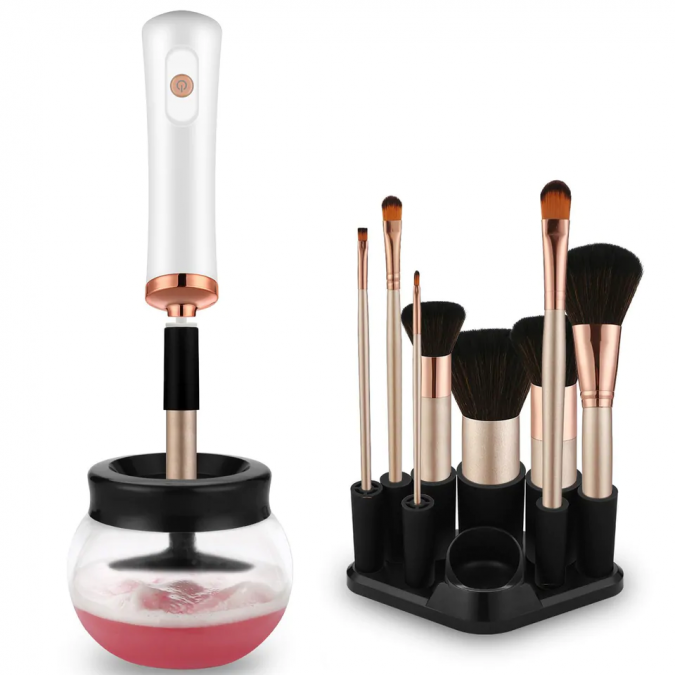 Makeup-Brush-Cleaner-675x675 5 Gadgets Every Aspiring Fashionista Needs
