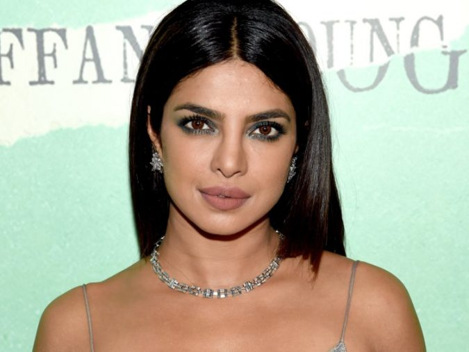 Priyanka-Chopra-675x507 10 Most Favorite Perfumes of Celebrity Women