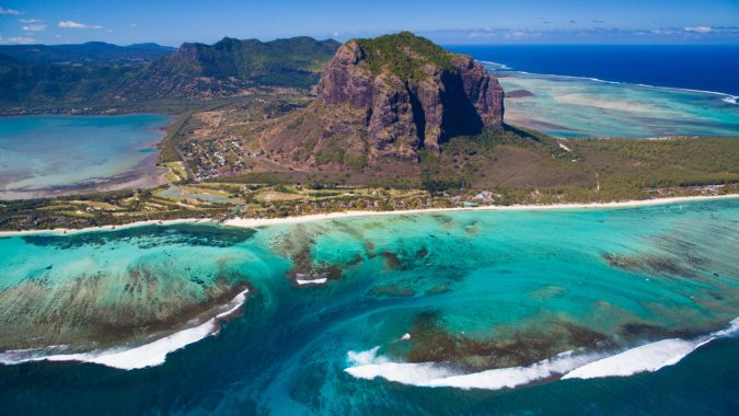 The-south-western-coast-of-Mauritius-675x380 14 Unusual Facts about Earth Can't Be Found Anywhere Else