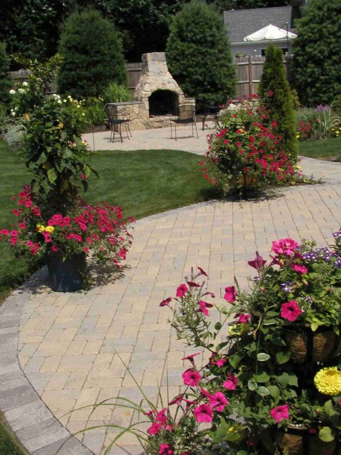 asymetrical-garden-675x900 5 Landscaping Trends to Consider