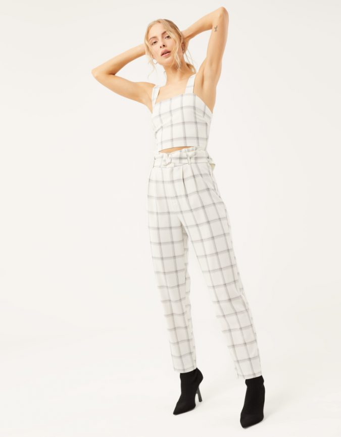 checked-crop-top-summer-outfit-675x866 12 Fashion Trends of Summer and How to Style Them