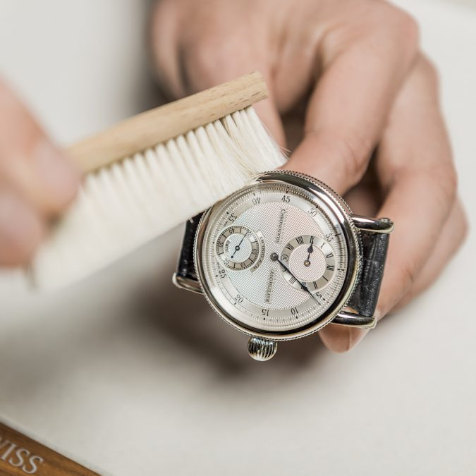 cleaningthe-watches-675x675 Guide to Help You Choose A Watch (A Luxury Every Man Deserves)