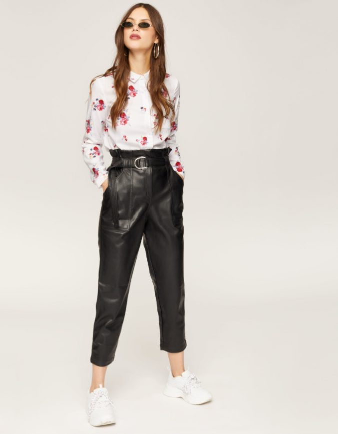 folral-shirt-leather-trousers-summer-outfit-e1555617983555-675x866 Children's Fashion 2019: Trends for Girls and Boys