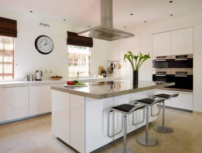 kitchen-Island-stove-Gregory-Phillips-Garden-Oasis-675x511 5 Things You Need to Know Before Planning Your Kitchen