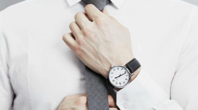 men-watch.-675x378 Guide to Help You Choose A Watch (A Luxury Every Man Deserves)