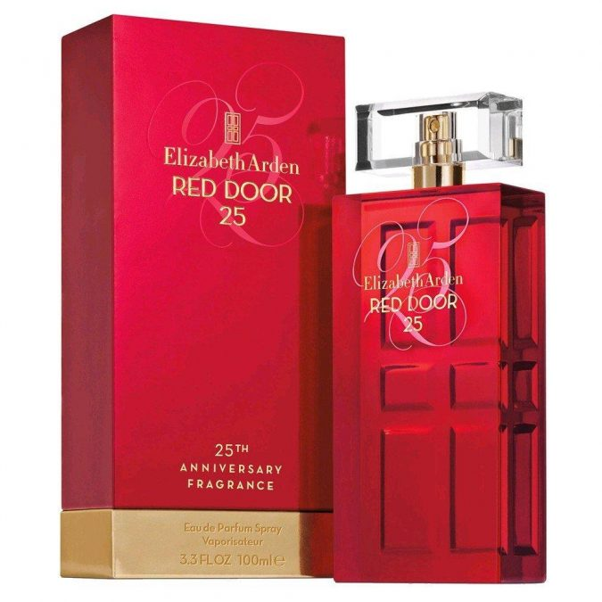 reddoor-675x675 10 Most Favorite Perfumes of Celebrity Women