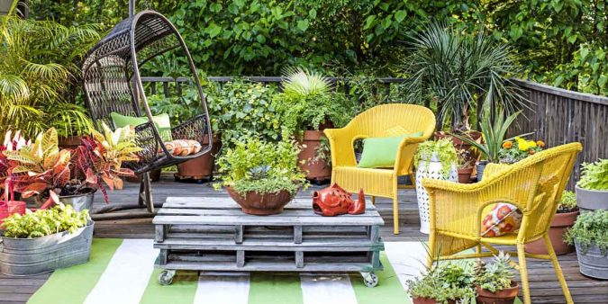 small-patio-garden-675x338 Living a More Comfortable Outdoor Lifestyle