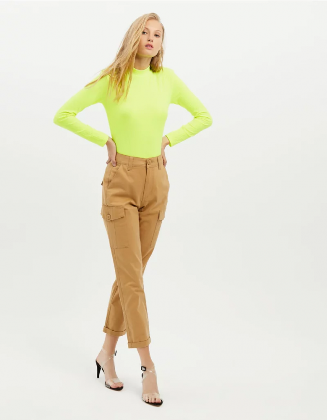 summer-outfit-biege-utility-trousers-675x866 12 Fashion Trends of Summer and How to Style Them