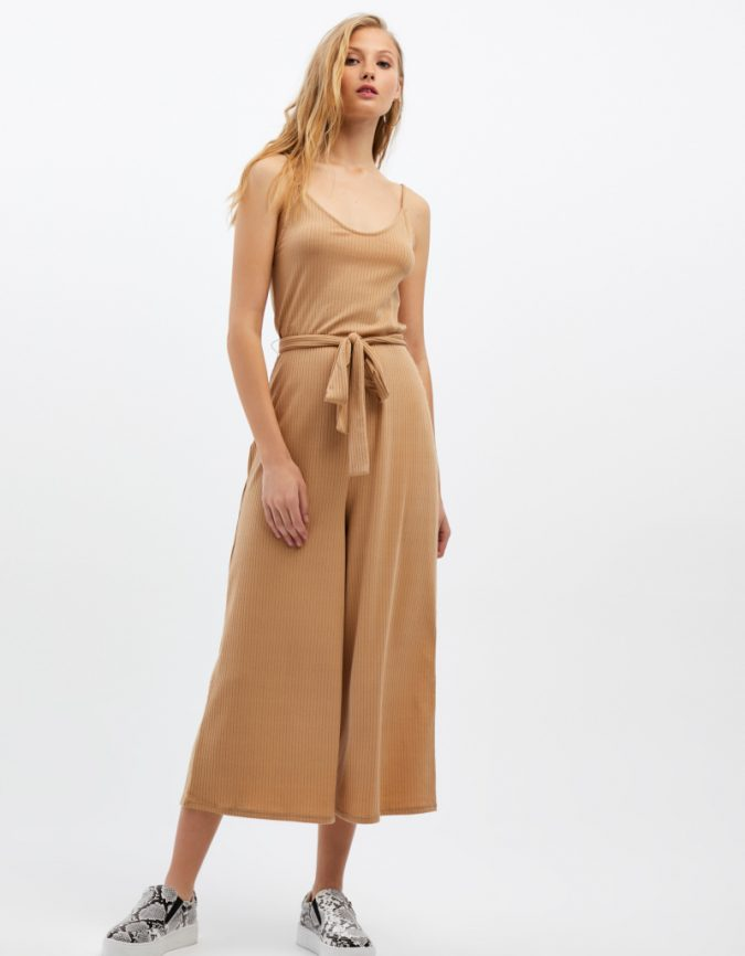 summer-outfit-jumpsuit-675x866 12 Fashion Trends of Summer and How to Style Them