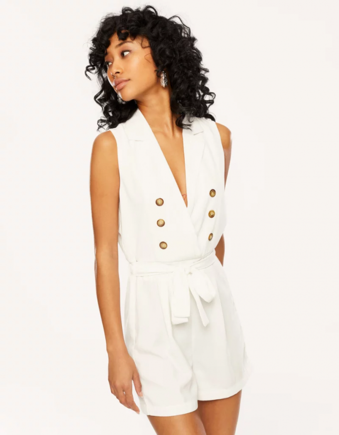 white-playsuit-summer-outfit-675x866 12 Fashion Trends of Summer and How to Style Them