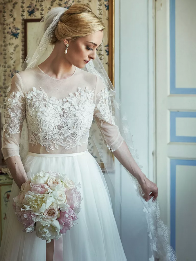 winter-wedding-dress-675x900 5 Important Considerations to Make Before Buying Your Wedding Dress
