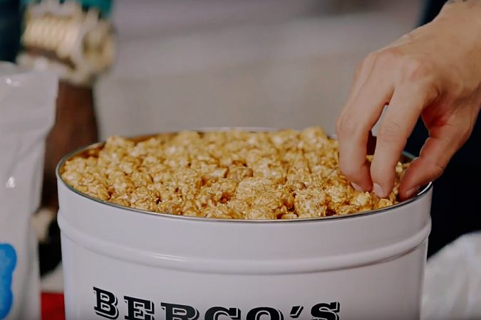 Berco-Dollar-Billion-Popcorn-2-675x450 10 Most Luxury Dishes Only for Billionaires