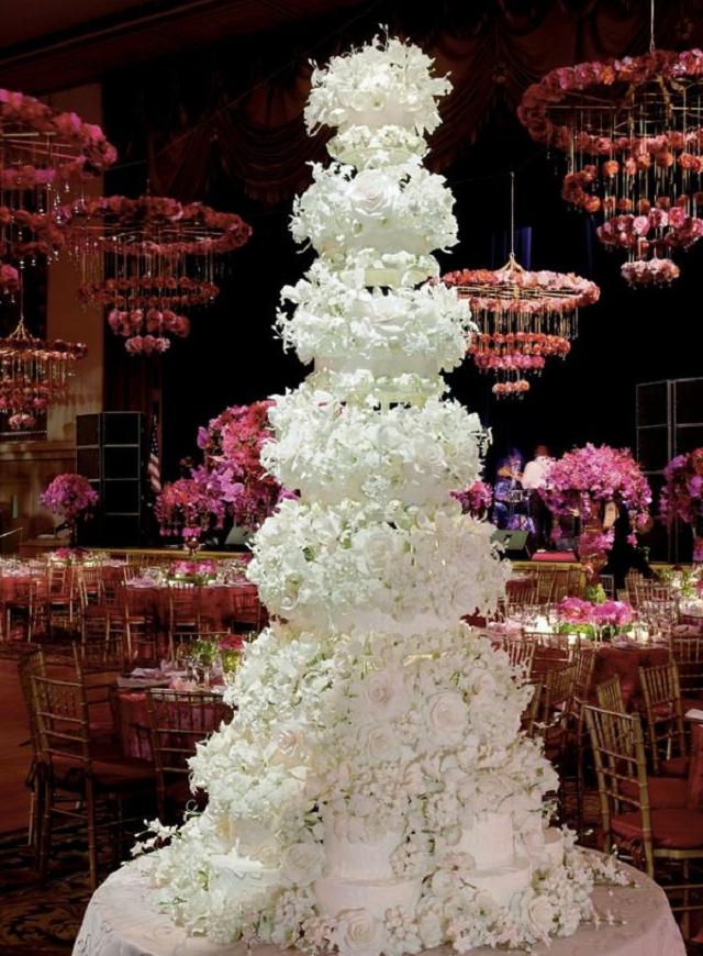 Catherin-Zeta-and-Michael-Douglas-Vanilla-Wedding-Cake Top 10 Most Expensive Wedding Cakes Ever Made