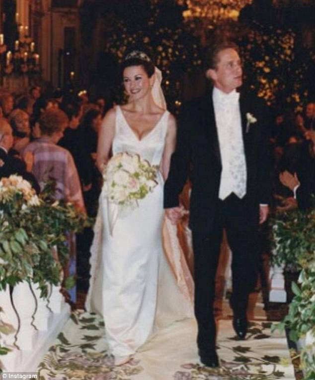 Catherin-Zeta-and-Michael-Douglas-Wedding Top 10 Most Expensive Wedding Cakes Ever Made