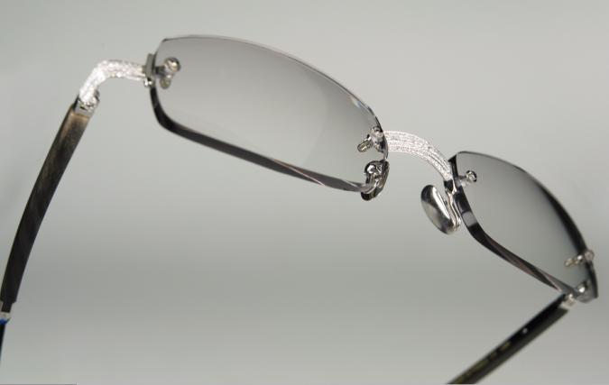 Gold-Wood-119-Diamond-Sunglasses-675x427 Top 10 Most Luxurious Sunglasses Brands