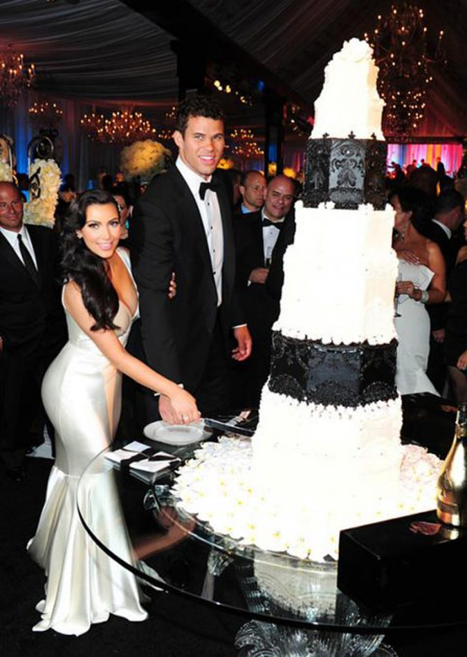 Kris-Humphries-and-Kim-Kardashian-Wedding-Cake-675x951 Top 10 Most Expensive Wedding Cakes Ever Made