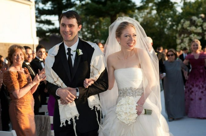 Marc-Mezvinsky-and-Chelsea-Clinton's-Wedding-675x448 Top 10 Most Expensive Wedding Cakes Ever Made