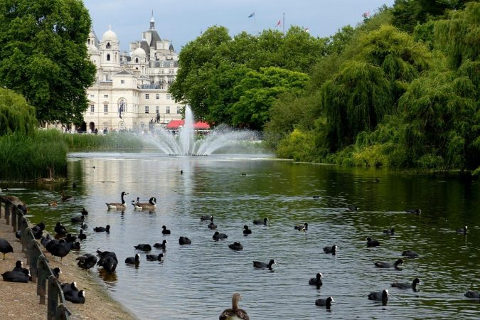 St.-James-Park-in-London-675x450 8 Best Travel Destinations in June