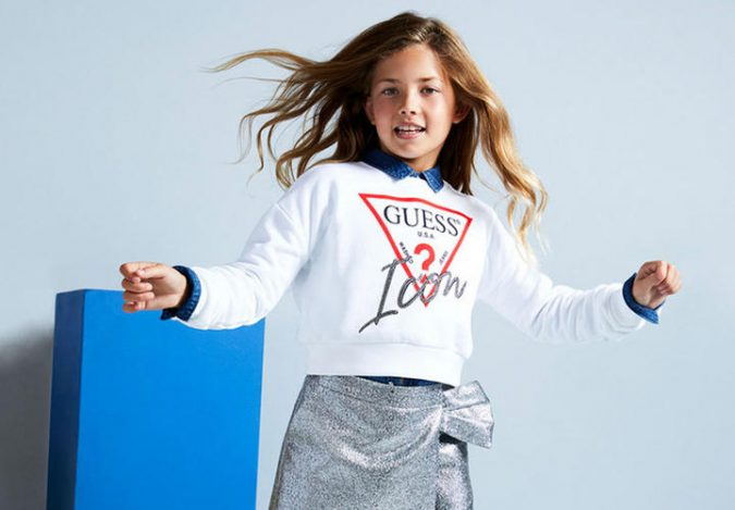 children-outfit-with-logo-675x469 Children's Fashion 2019: Trends for Girls and Boys