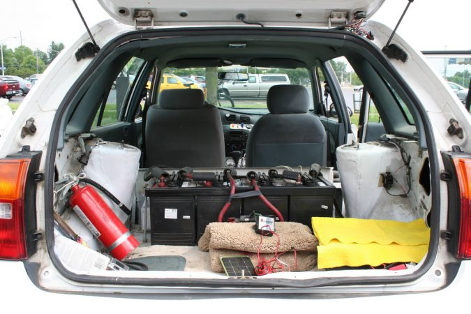 emergency-car-kit-675x450 8 Gift Ideas for The Grad in Your Life
